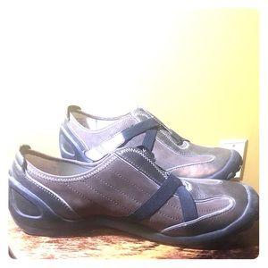 PRIVO Bronze Super Comfortable Sneakers SIZE 9